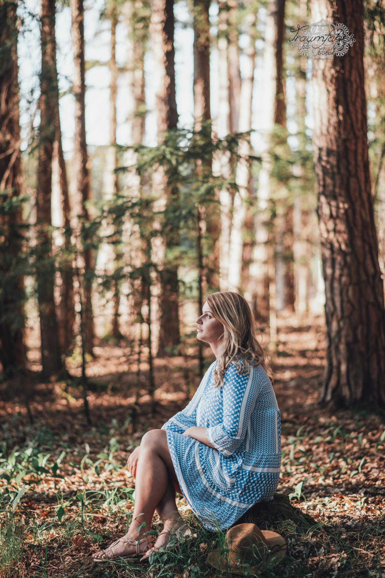 Bohoshooting_Sabina_befiltert_blaues-Kleid_web_23