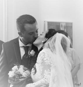 Danielle+Bernhard Standesamt Kuss